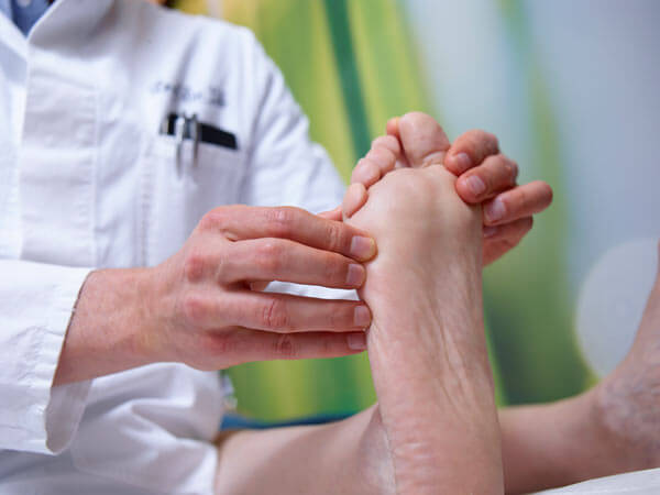 ankle pain treatment - up and running podiatry melbourne